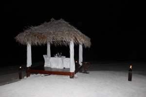 Hier hatten wir unser Dinner am Strand